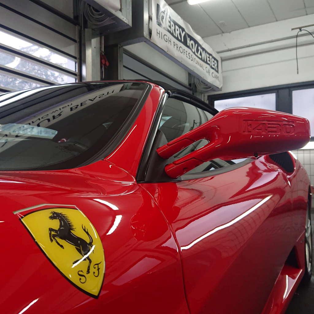 Lackveredelung Swissvax Scuderia, die perfekte Autopflege für Ihren Ferrari oder italienischen Sportwagen.